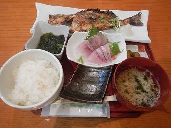 170718-006磯やメバル定食.JPG